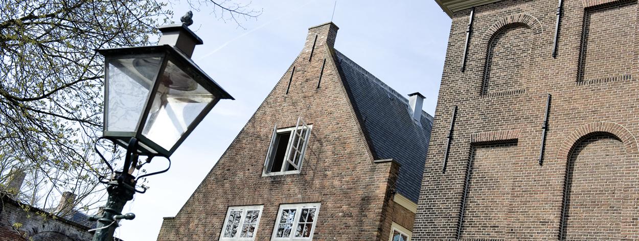 Hoe wordt het aantal vierkante meters van een woning bepaald?